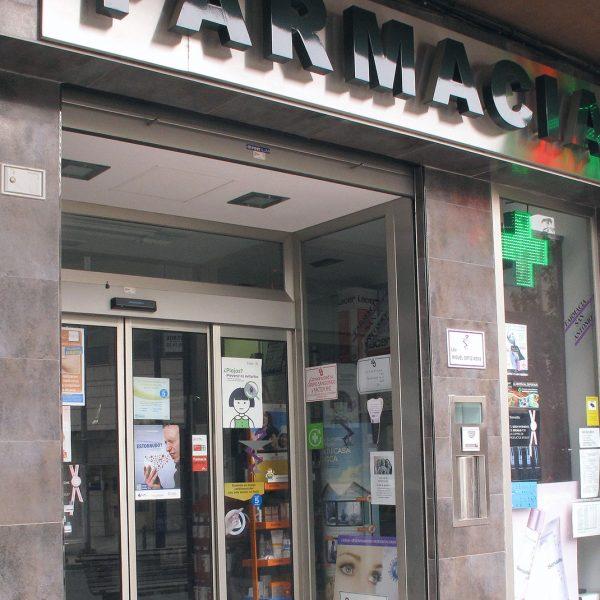 Reforma integral: Tienda farmacia, Cuenca
